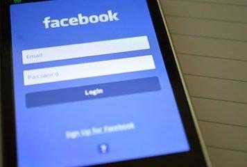 Facebook Log in Screen on smartphone