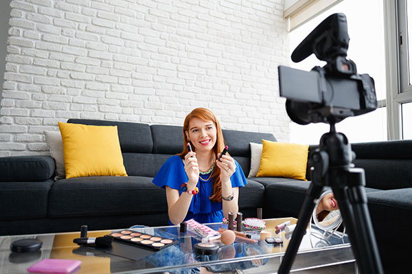How to Incorporate a Micro Influencer into Your Marketing Strategy to Promote Your Brand