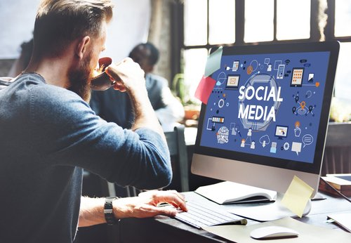 How to Train Employees to Use Social Media for Your Business